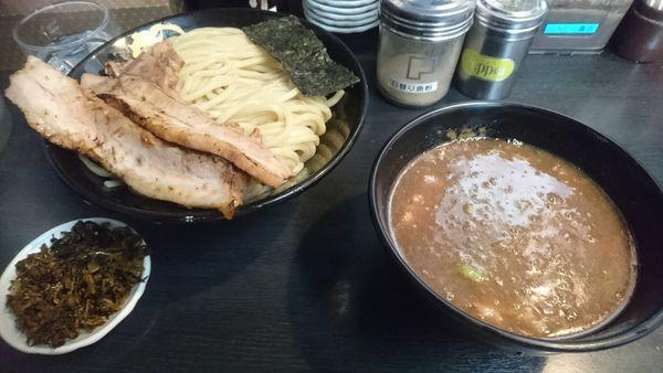 「濃厚豚骨つけ麺(中盛)+肉増し半分」@無鉄砲 つけ麺 無極の写真