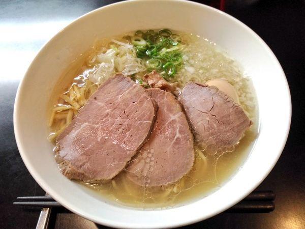 「贅沢焼牛塩らぁ麺」@牛骨らぁ麺 マタドール 本店の写真