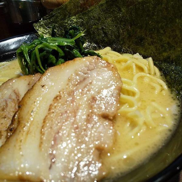 「#豚骨醤油 #ラーメン #並 #680円」@濃厚豚骨ラーメン 濱虎家の写真