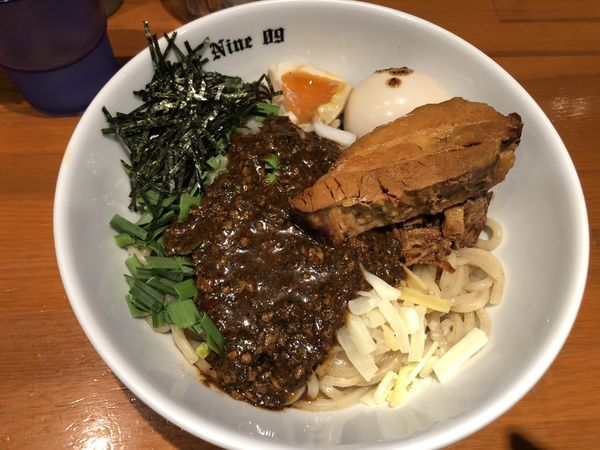 「贅沢油そばBlack」@麺Dining Number Nine 09の写真