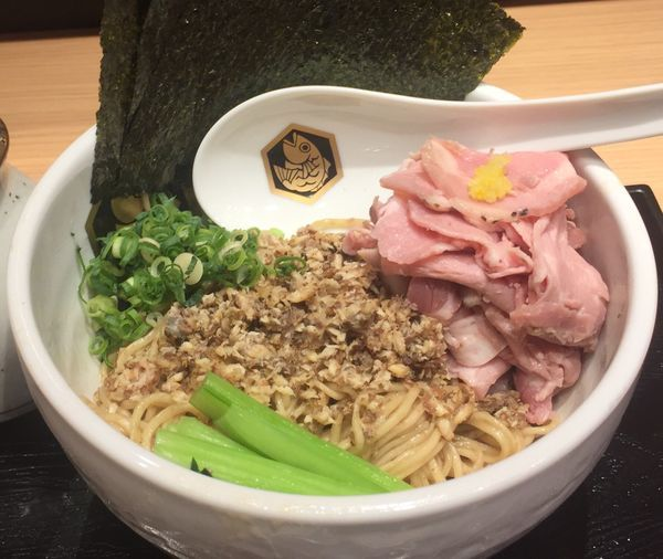 「鰤油そば810円」@真鯛らーめん 麺魚 錦糸町PARCO店の写真