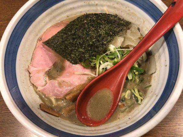 「煮干し濃麺+替玉」@麺屋あらき 竈の番人外伝の写真