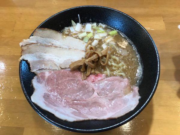 「豚骨魚介中華そば 大盛り」@自家製中華そば 麺の虜の写真