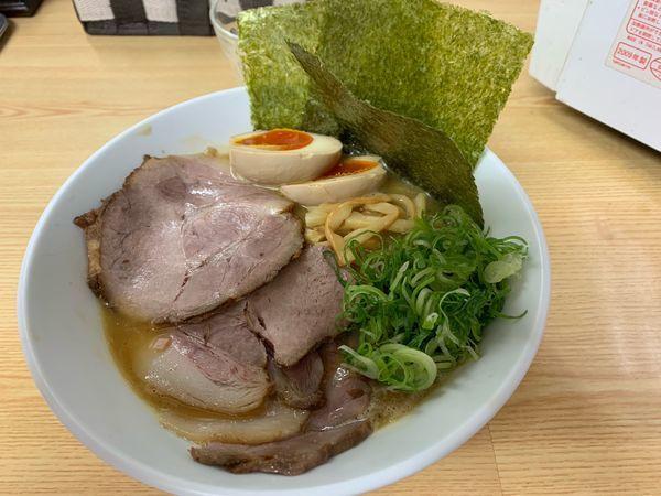 「特製濃厚白湯ラーメン醤油 900円」@鶏麺亭の写真