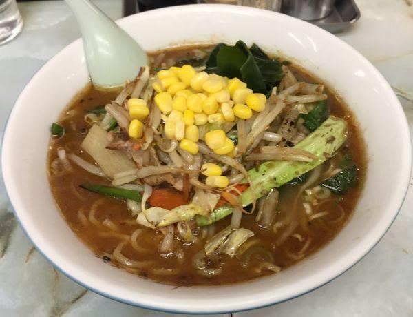 「野菜味噌ラーメン650円」@サッポロラーメン どさん子 中野南口店の写真