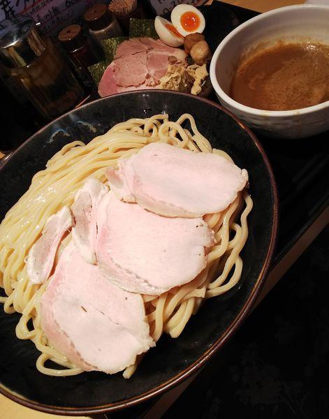 「特製つけ麺(大盛り)+追加ロース」@つけ麺 道の写真