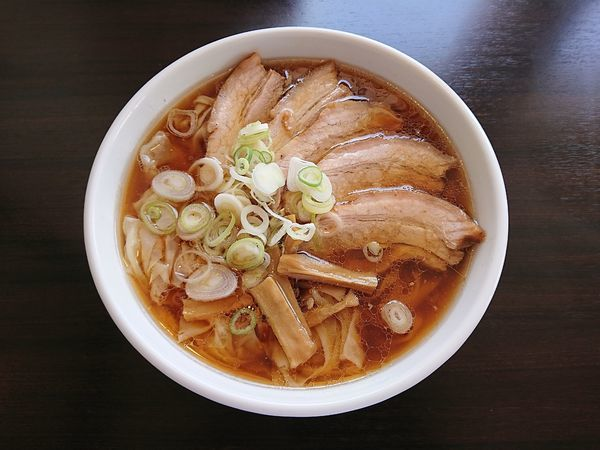 「チャーシューワンタンメン(醤油、手打ち麺)1200円」@恵比寿の写真