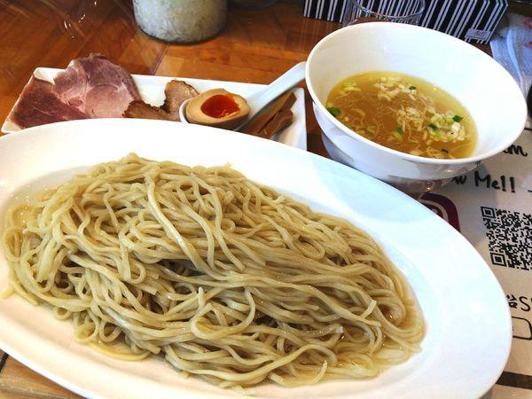 「貝だしつけ麺(塩・中)+半餃子」@貝だしラーメン 黒船SECONDの写真