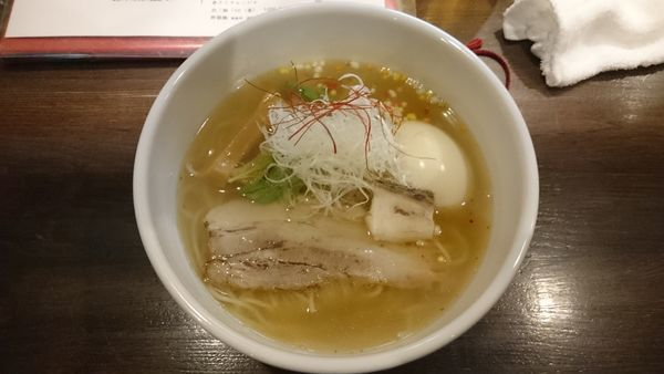 「真鯛 塩らぁ麺寿+味玉」@らぁ麺BAR 錦 iwamotoの写真