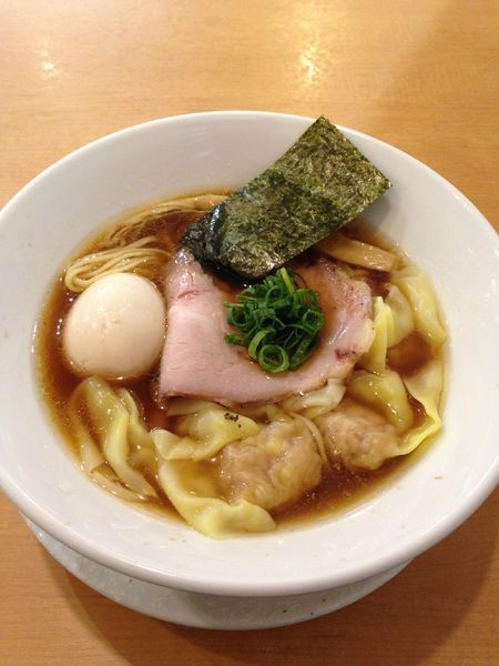 「わんたん鶏そば 930円」@麺屋BISQの写真