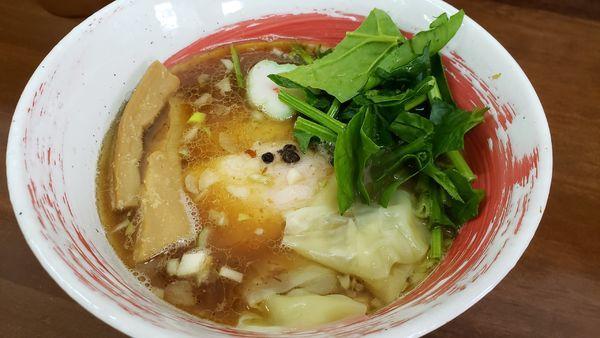 「魚介しょうゆらぁめん+手作りワンタン」@4代目松屋食堂の写真