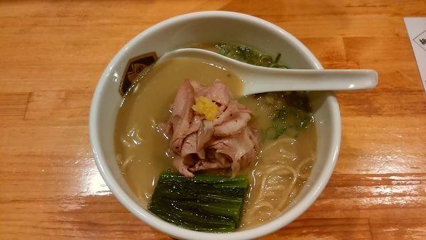「濃厚縞鯵らーめん」@真鯛らーめん 麺魚の写真