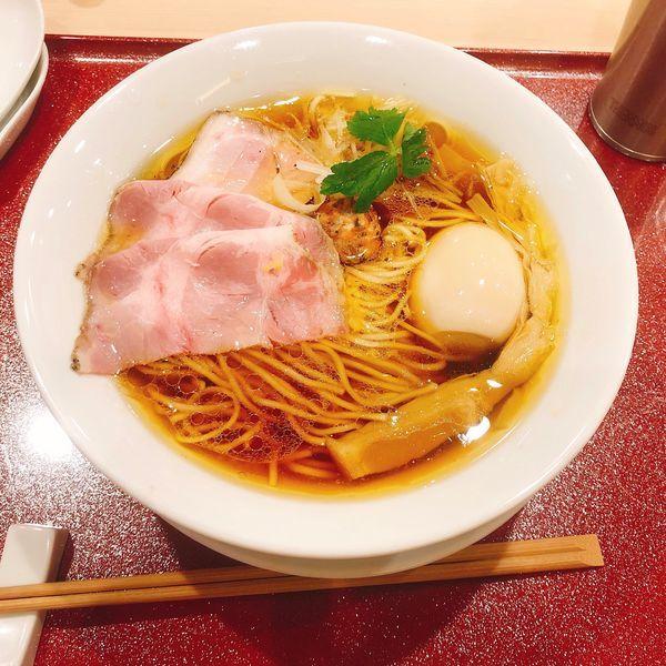 「味玉中華そば」@麦と麺助 新梅田中津店の写真