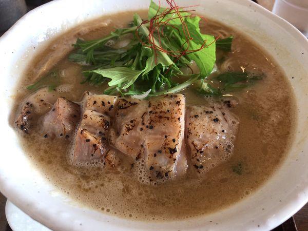 「濃厚鶏白湯麺」@麺工房 かなでの写真