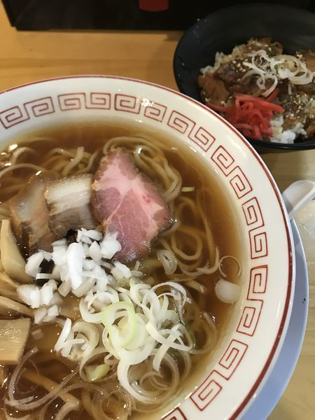 「醤油ラーメン、ミニチャーシュー丼」@喜多方食堂 麺や玄 十条店の写真