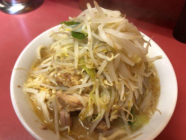 「小豚4枚880円ニンニク野菜からめ」@ラーメン二郎 ひばりヶ丘駅前店の写真