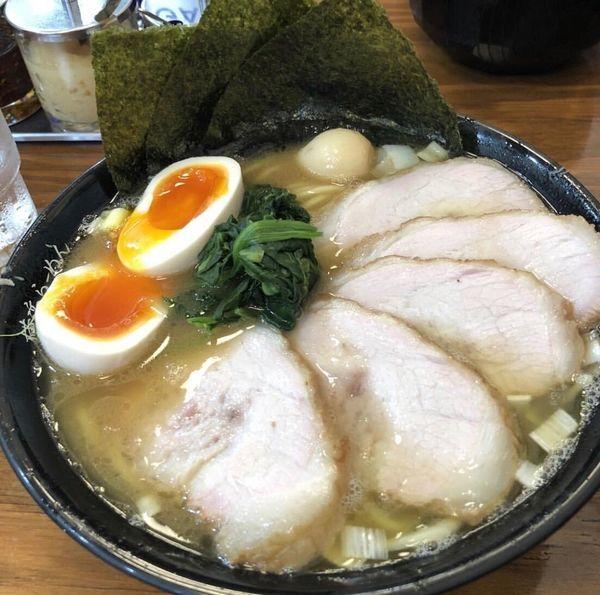 「チャーシューメン+味玉」@横浜らーめん 峰の家の写真