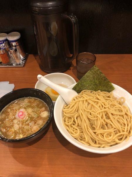 「つけ麺大盛890円生卵50円」@大勝軒まるいち 西荻窪店の写真