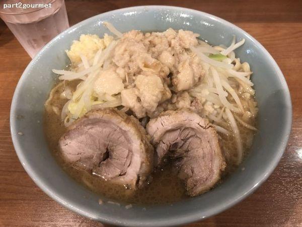 「小ラーメン(豚2枚) 「ニンニクアブラ」(740円)」@ラーメンBoo Boo太郎。の写真