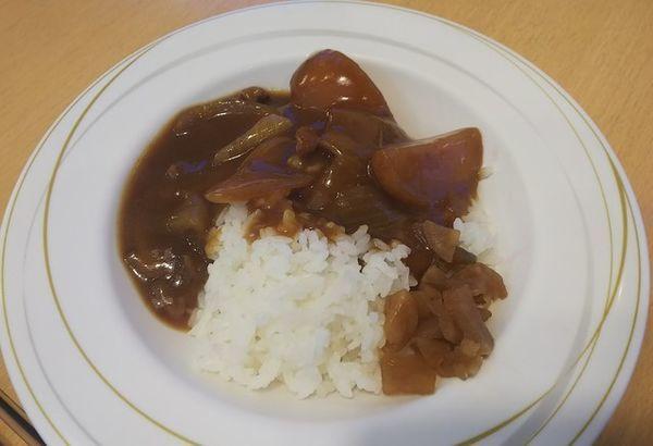 「ハーフカレー175円」@大衆食堂 半田屋 多賀城店の写真