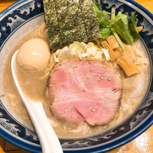 「濃熟塩らーめん 味玉 ¥890」@○心厨房の写真