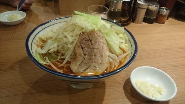 「限定麻辣とんこつ・大盛・柔らかめ(ヤサイアブラ)¥890」@らーめん勇の写真