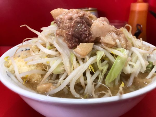 「小麺半分ヤサイアブラ」@ラーメン二郎 松戸駅前店の写真