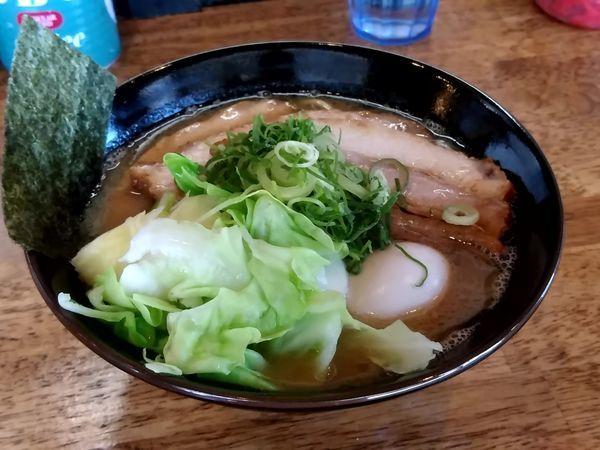 「特製豚骨醤油ラーメン(並盛・150g)1,050円」@麺屋えびすの写真