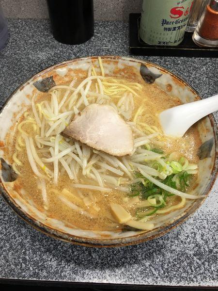 「味噌ラーメン 大盛り」@八龍 千代田店の写真