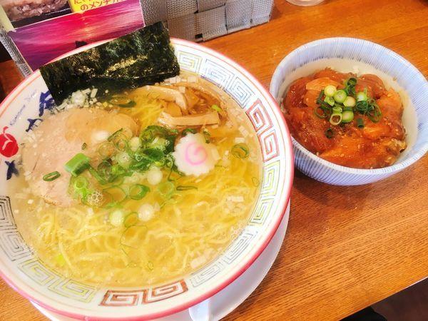 「Cセット かもめラーメン潮+ミニサーモン丼」@気仙沼かもめ食堂の写真