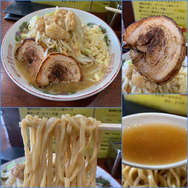 「ラーメン¥850(麺カタメ・ニンニクマシ・アブラ・カラメ)」@ラーメン 豚んちの写真