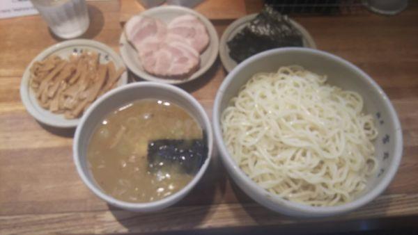 「味玉つけ麺 大盛り のり・めんま・チャーシュー」@麺屋吉左右の写真