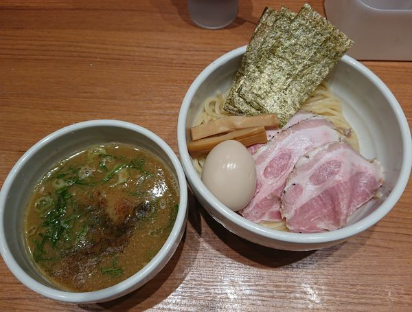 「特製つけ麺(麺少なめ)」@煮干中華そば 鈴蘭 新宿店の写真
