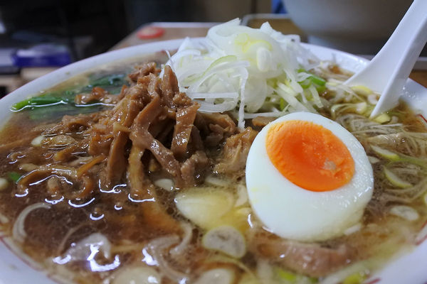 「ラーメン¥600+モツネギ¥150」@さくらい食堂の写真
