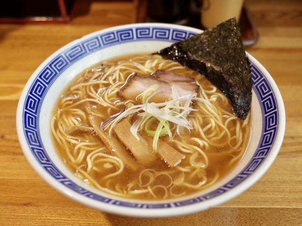 「中華そば…650円 選べるスープは「魚介系」で」@おかめの写真