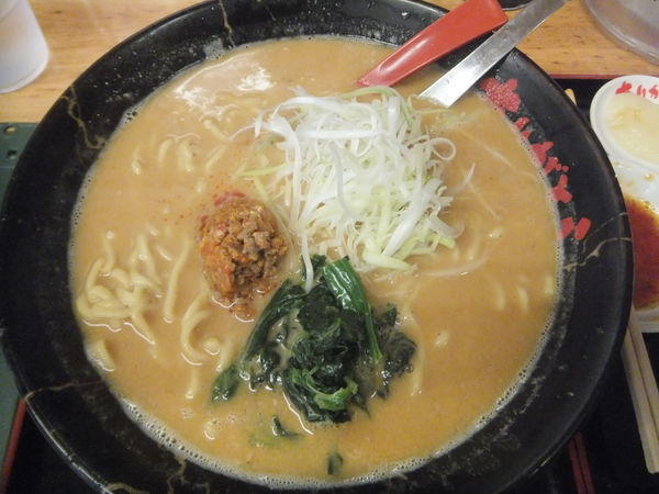 「味噌坦々麺780円+税、半餃子190円(クーポンで餃子無料)」@めん王 若柴店の写真