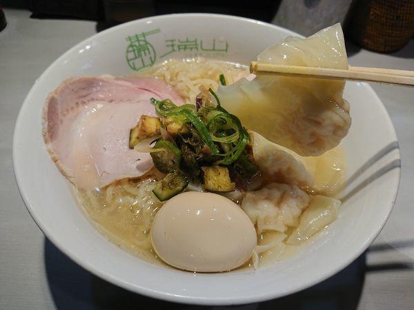 「【限定】冷やし煮干しの海老ワンタン麺850円+他」@中華蕎麦 瑞山(ZUIZAN)の写真