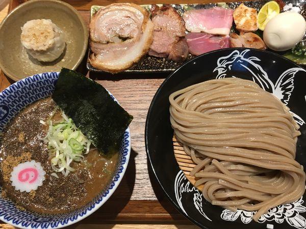 「つけ麺小+特製全部トッピング+焼売」@中華蕎麦 とみ田の写真