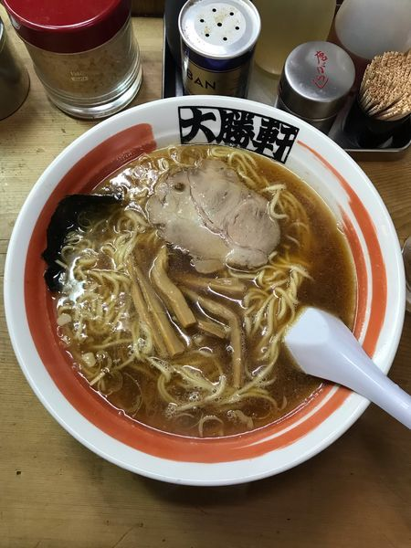 「ラーメン 590円(細麺)、中盛 70円」@中野大勝軒の写真