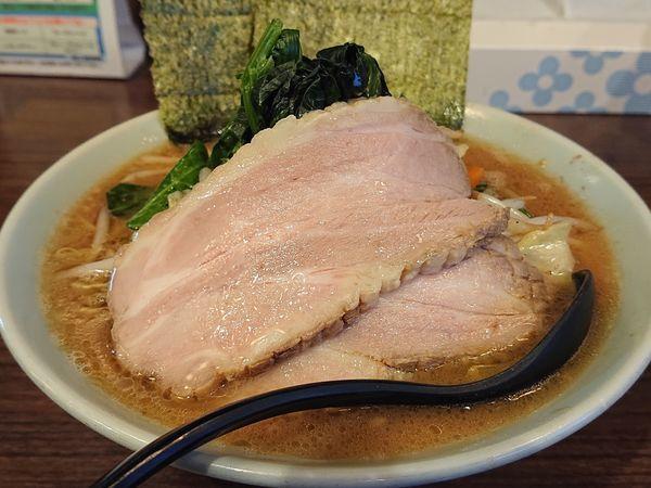 「831ラーメン(太麺、TOPチャーシュー)」@831家 和田店の写真