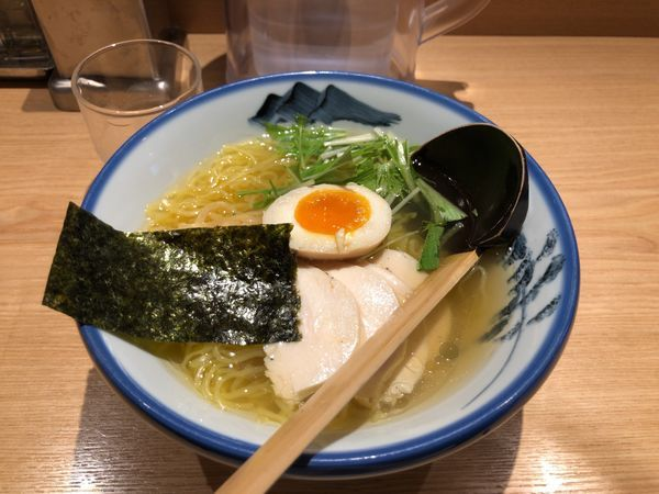 「ゆず塩ラーメン こんにゃく麺 鶏チャーシュー」@AFURI 恵比寿の写真