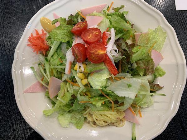 「サラダ冷やし中華大盛り」@カフェレストラン それいゆさんさんの写真