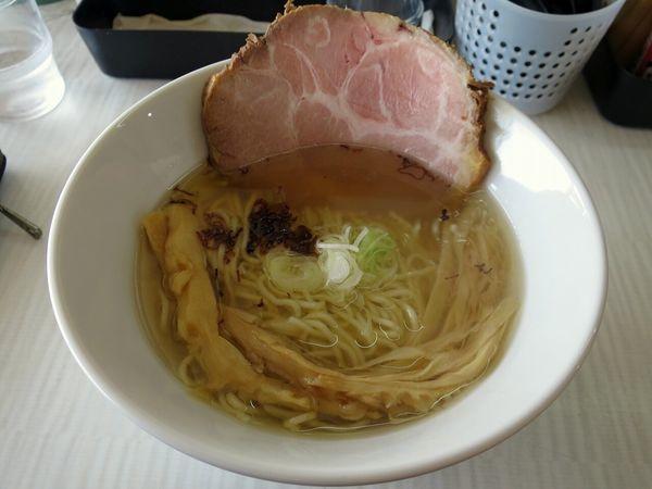 「しおらーめん 680円」@拉麺 しのざきの写真