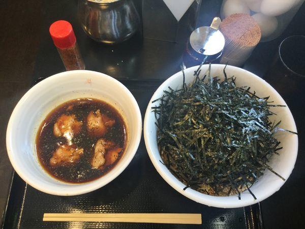 「鶏そば・中(¥790)」@なぜ蕎麦にラー油を入れるのか。 神田小川町店の写真