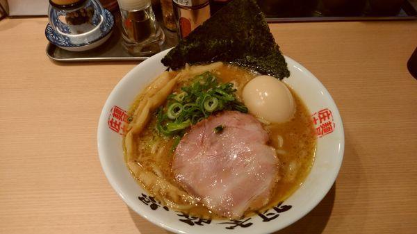 「らーめん+味玉トッピング」@麺屋 庄太 赤坂店の写真