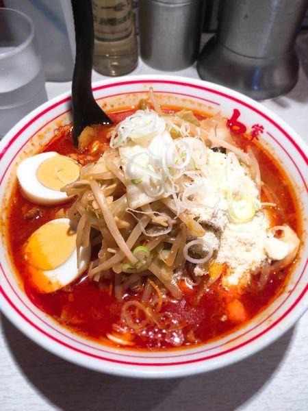 「北極やさい麺少なめ+野菜大盛+チーズ」@蒙古タンメン中本 品川店の写真