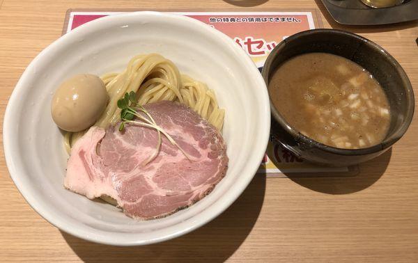 「特製濃厚豚骨魚介つけ麺」@麺処 景虎 新越谷ヴァリエ店の写真