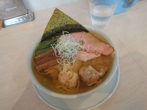 「塩煮干しワンタン麺 930円」@青森中華そば オールウェイズの写真
