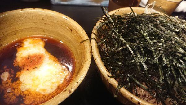 「トロロ肉そば・大」@なぜ蕎麦にラー油を入れるのか。 神田小川町店の写真