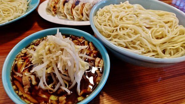 「つけそば特盛り+野菜+チャーシュー丼並+餃子」@つけそば 麺吉の写真